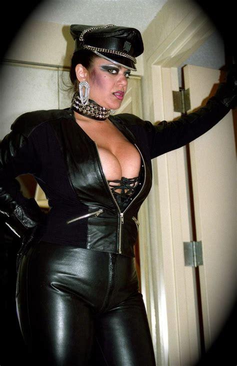 Chubby lesbian slave-limumota