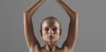 Nude model yoga-kollailaca