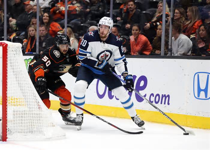 Jets' Dubois Off to a Much-Needed Strong Start