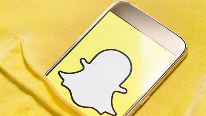 Snapchat has crossed 100 million monthly users in India; announces partnerships with Zomato, Flipkart and more